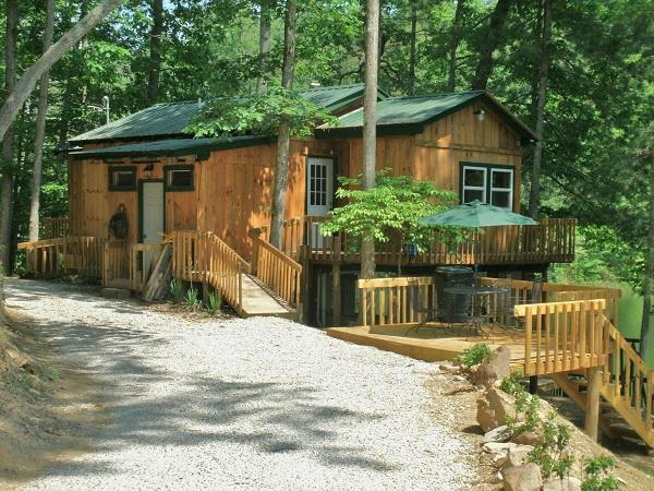 Bear Lair - Bear Lair @ Bear Track Lake  near Red River Gorge - Beattyville - rentals