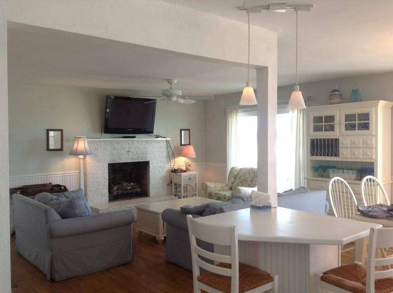 Dream Cottage with Ocean Views Sleeps 9 -Pet Friendly- It doesn't get any better than this! - Beachfront Dream Cottage Ocean City NJ (sleeps 9) - Ocean City - rentals
