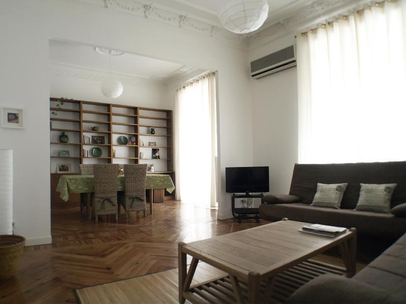 2 bedrooms and bathrooms  apartment SOL OPERA - Image 1 - Madrid - rentals