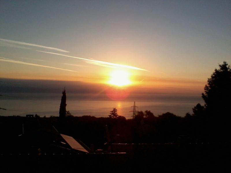 sunrise-view from house - Apartments in quiet area, terrace & sea-view - Opric - rentals