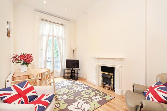 Beautiful living area - Amazing 2 Bedroom Hyde Park Rental with Terrace - London - rentals