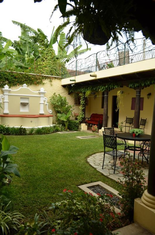 courtyard - Casa del Oasis - Antigua Guatemala - rentals