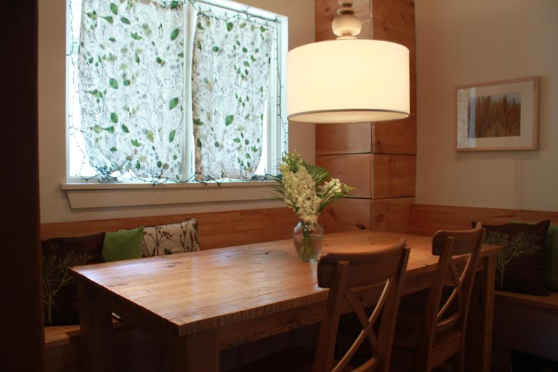 Dining Area - Cottage in the City - Toronto - rentals