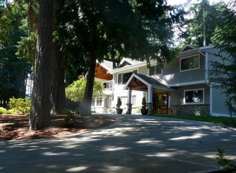 The Cottam Suite - Image 1 - Nanaimo - rentals