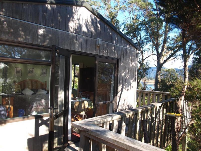 deck area - Heron's Rest - Collingwood - rentals