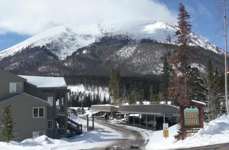 Entrance to Gore Trail Condos Buffalo Mountain in the background - Premium Mountain Retreat near 5 ski resorts - Silverthorne - rentals