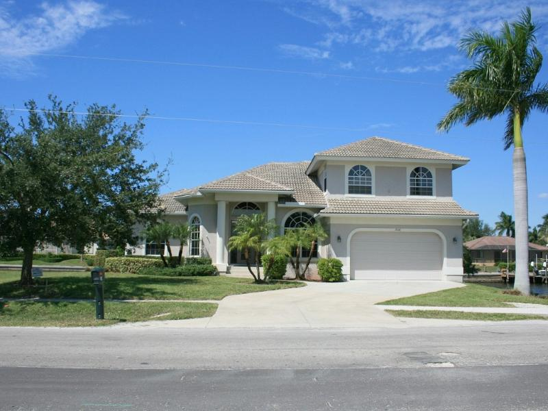 Tropical Island - Large Waterfront Luxury Home - Image 1 - Marco Island - rentals