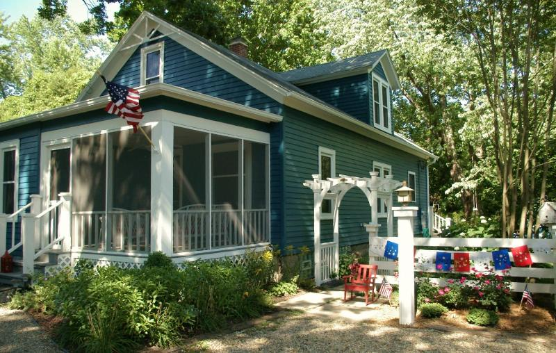 The cottage dressed in 4th of July red, white and blue - Classic 5BR Michigan Cottage Minutes To the Beach - Lakeside - rentals
