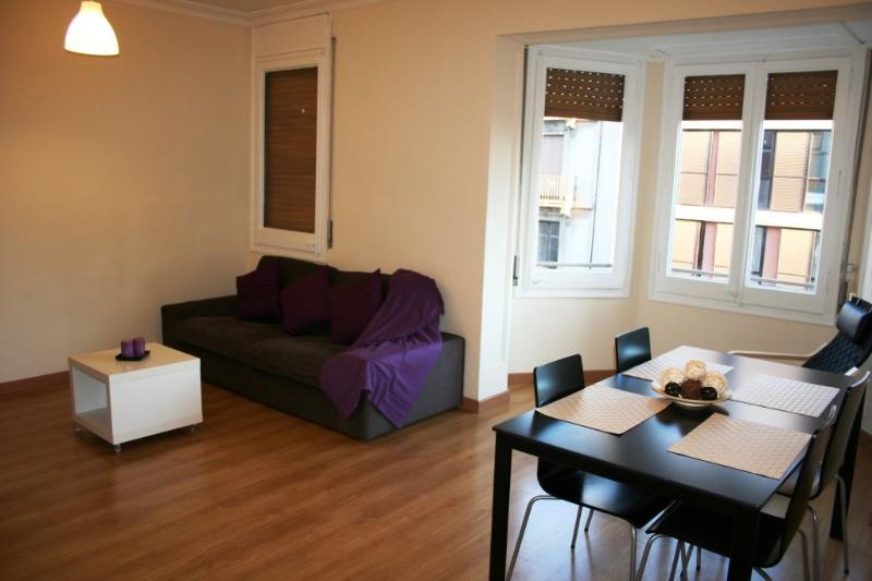 Holiday apartment - Dreta de L'Eixample Barcelona 41 - managed by travelingtolisbon - Image 1 - United States - rentals