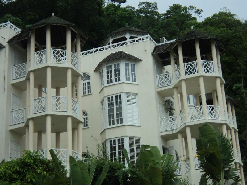 Villa is located close to sky castle - Chill on the hill - Ocho Rios - rentals