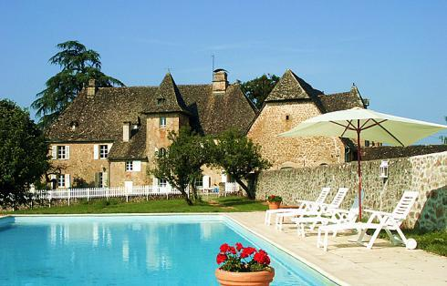 View of chateau from the pool - Eco Chateau - boutique chateau immersed in nature - Limousin - rentals
