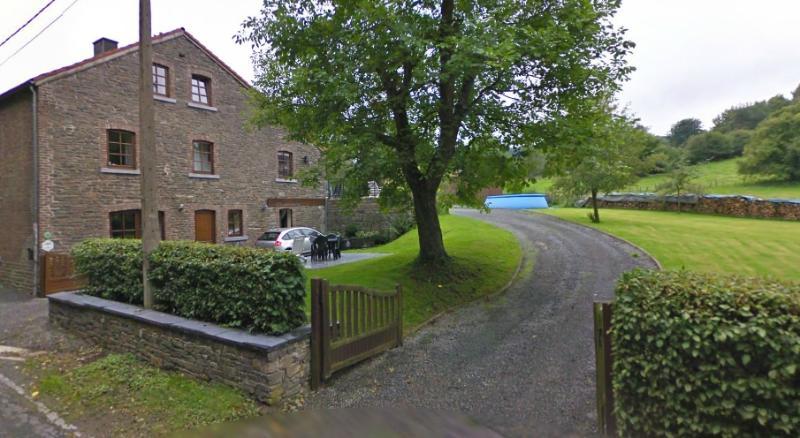 Vue générale - Grande maison le long d'une petite route - Aywaille - rentals