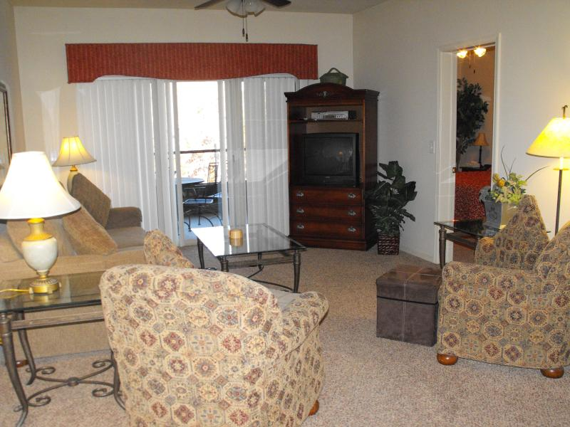 LIVING AREA - Stonebridge Fairways Condo - Branson West - rentals