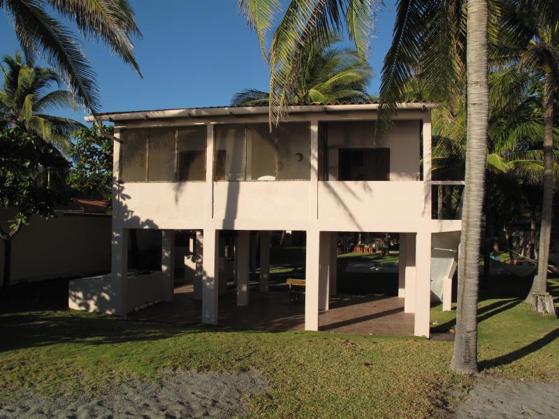 Main beach house with 2 bedrooms - The El Salvador Peace House - San Luis Talpa - rentals