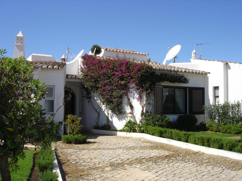 Front entrance - Casa Miramar on Algarve Clube Atlantico - Carvoeir - Carvoeiro - rentals