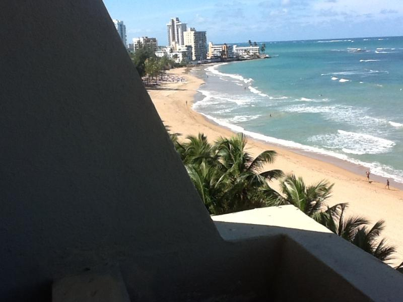 Balcony view to the left - Vacation in A Tropical Gem Isla Verde, Puerto Rico - Carolina - rentals