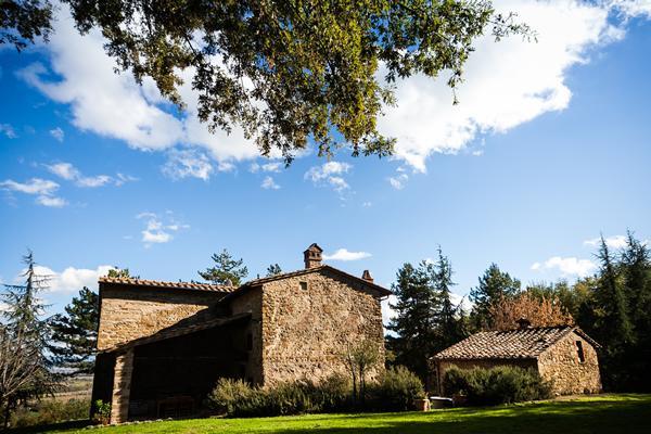 Fully Renovated Villa with Pool, 6 Bathrooms, Wifi - Image 1 - Anghiari - rentals