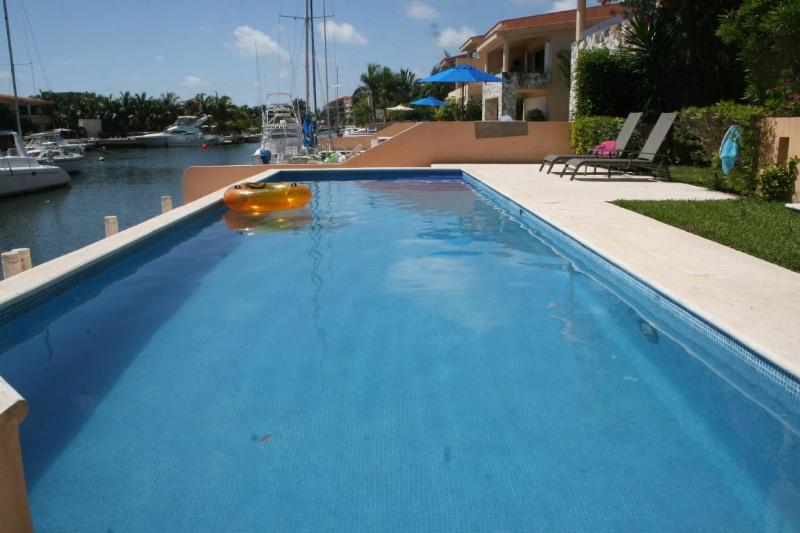 Pool View - Book Now for 2015, some weeks still available! - Puerto Aventuras - rentals