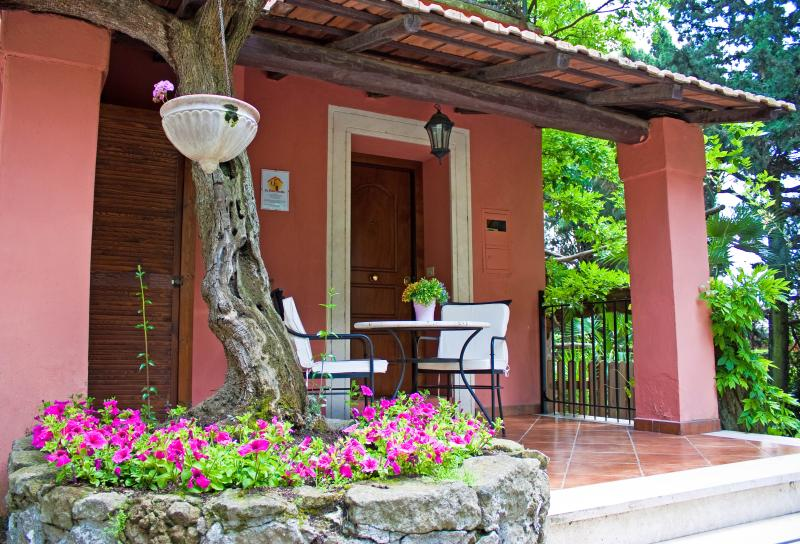 Charming and Romantic Cottage hill nearby Rome - Image 1 - Grottaferrata - rentals