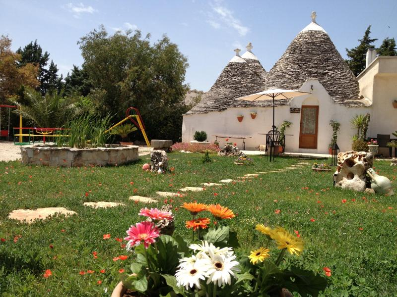 Trullo Gelsomino, with garden, swimming pool, wif - Image 1 - Alberobello - rentals
