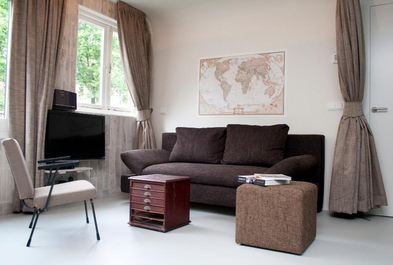 The Perfect Houseboat, Dutch Design - Image 1 - Amsterdam - rentals