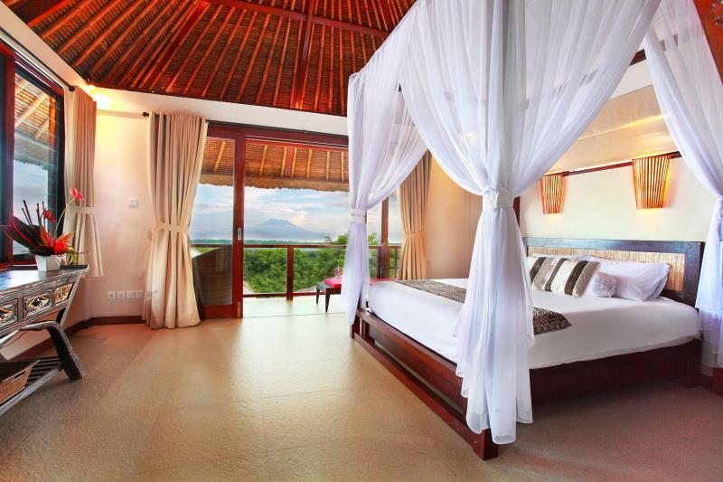 bedroom agung - Villa Bukit Lembongan - Nusa Lembongan - rentals
