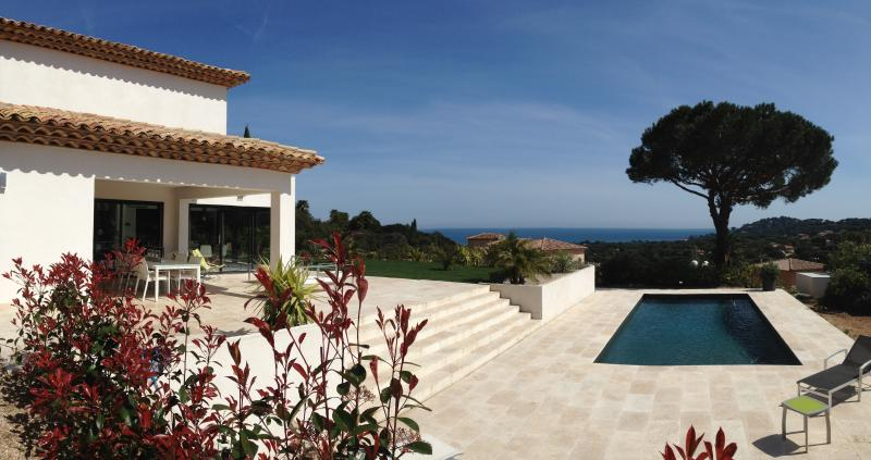 Villa Nartelle, Pet-Friendly Rental with a View of the French Riviera - Image 1 - Saint-Maxime - rentals