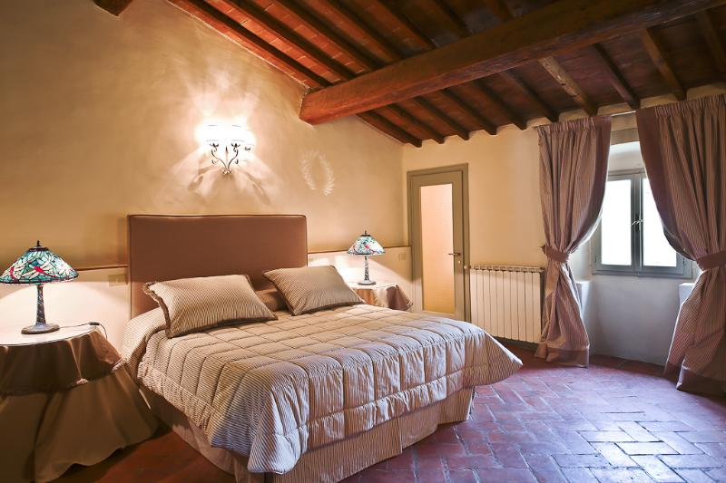 Elegant 1 Bedroom Vacation Apartment in Florence - Image 1 - Florence - rentals
