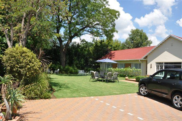 Garden - Parkmore Lodge Bed and Breakfast - Johannesburg - rentals