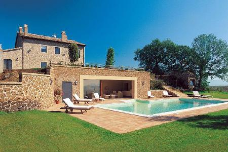 Villa Melograni features a magnificent central fireplace, jacuzzi and Turkish bath - Image 1 - Orvieto - rentals
