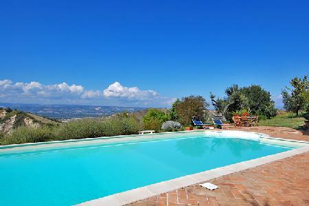Lovingly restored Villa Poilio has an organic herb and vegetable garden and pool - Image 1 - Orvieto - rentals
