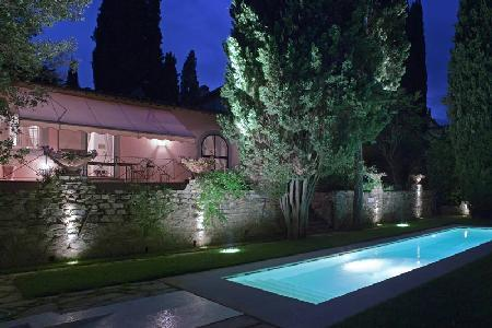 Picturesque La Fiorentina features a fireplace, private terrace and housekeeping - Image 1 - Florence - rentals