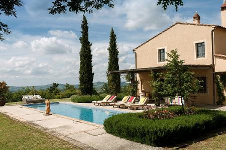 Extraordinary Villa Solara has a lap pool, manicured gardens & fireplace - Image 1 - Val d'Orcia - rentals