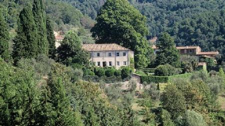 Incredible Villa Spada with enchanting garden, housekeeping and fireplace - Image 1 - Lucca - rentals