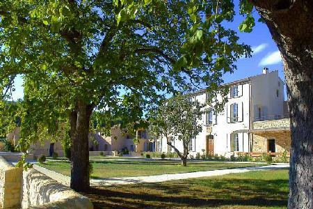 Great for family reunions! Staffed farmhouse Simiane in lavender fields with pool & tennis court - Image 1 - Luberon - rentals