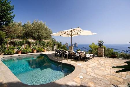 Il Tramonto - Elegant villa accessible by foot by the Bay of Marina Piccola with pool - Image 1 - Capri - rentals
