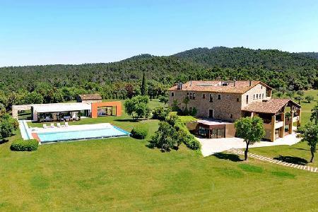 Mas Mateu features horseback riding, unparalleled facilities and a full staff - Image 1 - Girona - rentals