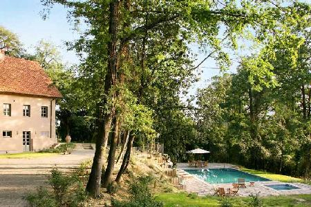 Charming villa Casolare set in private, enclosed grounds with pool and daily housekeeping - Image 1 - Pisa - rentals