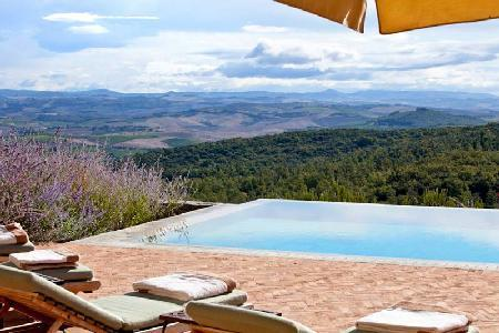 Villa Chiusa offers captivating views, private infinity pool and pool house - Image 1 - Montalcino - rentals