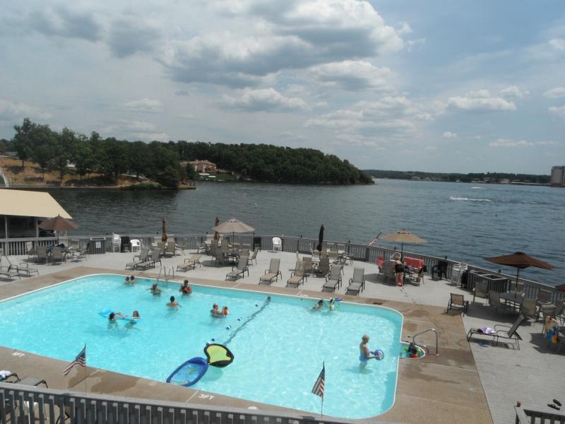 Fabulous Sunny Outdoor Pool - *Condo Getaway - Your Lake Ozark Vacation retreat - Lake Ozark - rentals