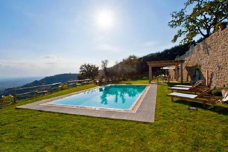 Charming Villa Tegognano features a gazebo, alfresco dining, bbq and heated pool - Image 1 - Cortona - rentals