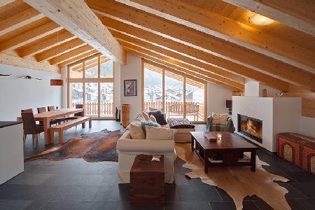 Spacious luxury penthouse Zeus 2 with Alpine feel, balcony & mountain views only 5 min to ski lifts - Image 1 - Zermatt - rentals
