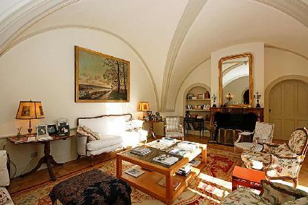 Historic Chateau Molyneux with Private Pool, Alfresco Dining & Daily Maid - Ideal for Large Groups - Image 1 - Avignon - rentals