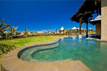 Thalie 30 with housekeeping, infinity pool and access to resort amenities - Image 1 - Bel Ombre - rentals