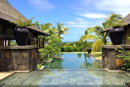 Cassiopee 10 on estate with golf cart to beach, Zen pool & amenities - Image 1 - Bel Ombre - rentals