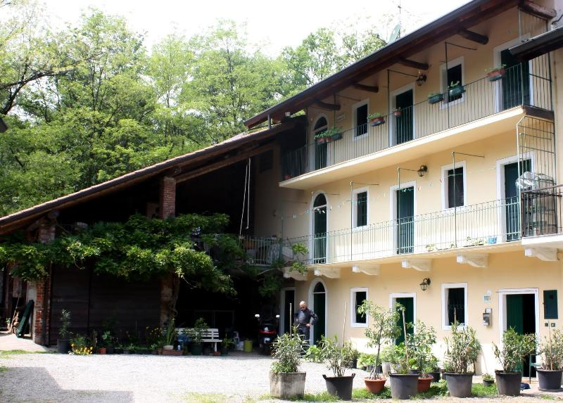 Front of Cascina Cesarina Lake Maggiore - Cascina Cesarina farm dinner B&B  Lake Maggiore - Borgo Ticino - rentals