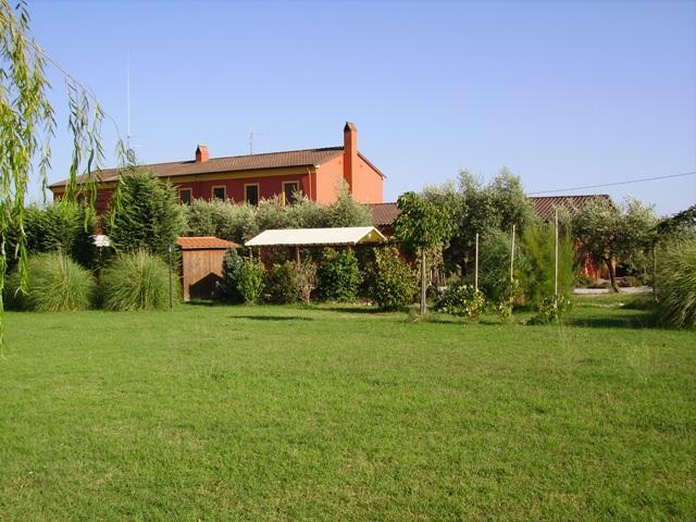Our Garden - Red Country House - Quitness - private house - Montecarlo - rentals