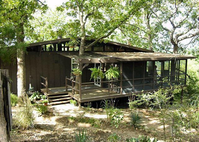 Our Place in the Woods - Our Place in the Woods- Private 3 Bedroom Cabin near Lake and SDC - Branson - rentals