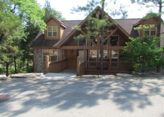 Front of Lodge - River's Creek- Spacious, 4 Bedroom, 4 Bath Stonebridge Lodge - Branson West - rentals