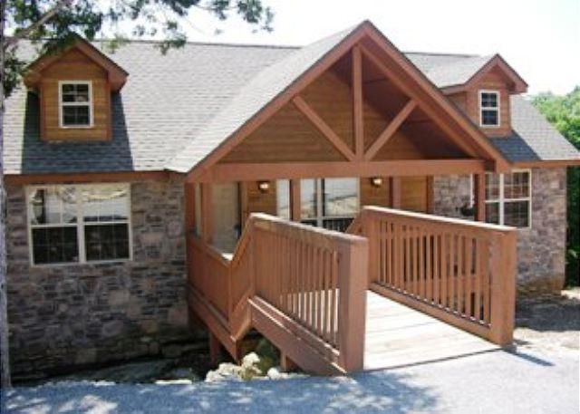 Front of Lodge - Bearadise- 2 Bedroom, 2 Bath Stonebridge Golf Resort Lodge - Branson West - rentals